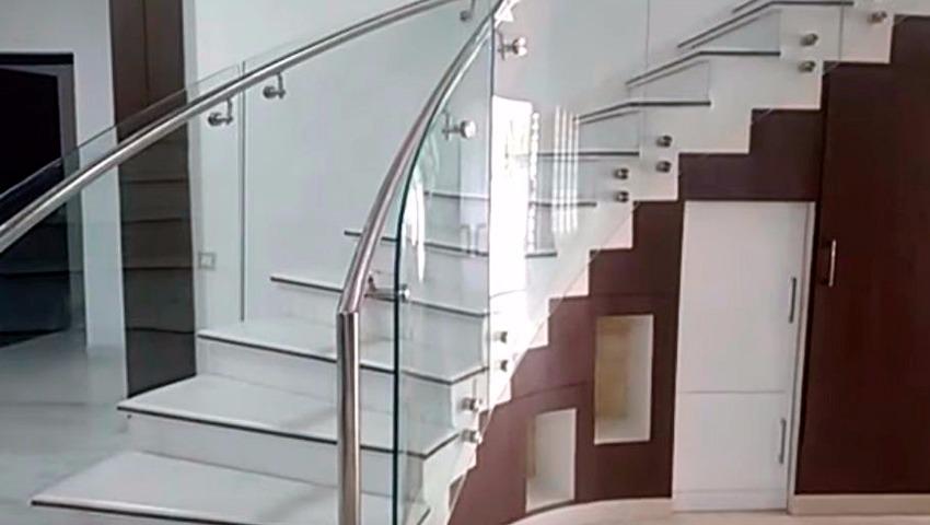 Escaleras de cristal en Valencia
