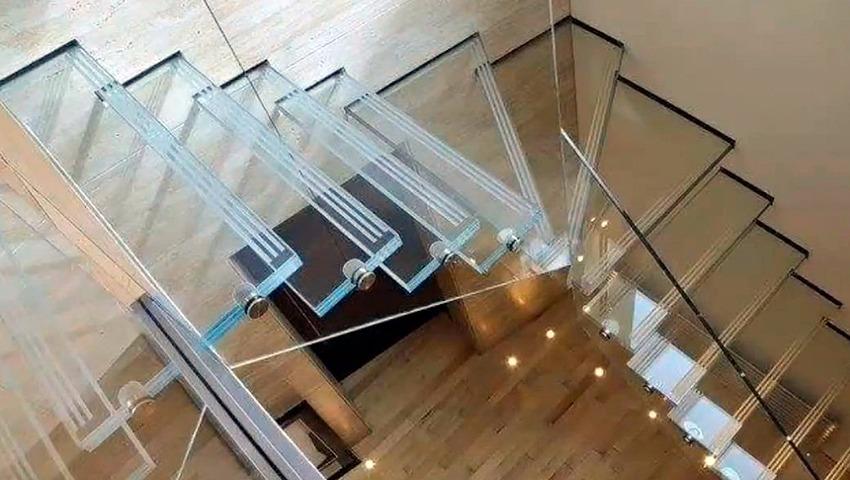 Escalones de cristal en Valencia